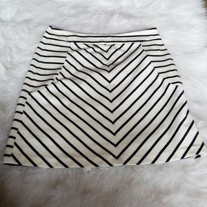 Size 4 Cynthia Rowley skirt, side zip